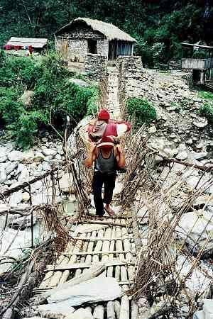 Naya Pul, pod peste Modi Khola, foto Marius
